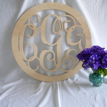 24 inch vine connected monogram letter round with border weddi