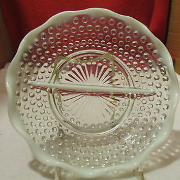 VINTAGE DIVIDED RELISH 7 3/4 MOONSTONE OPALESCENT PLATE BY ANCHOR HOCKING