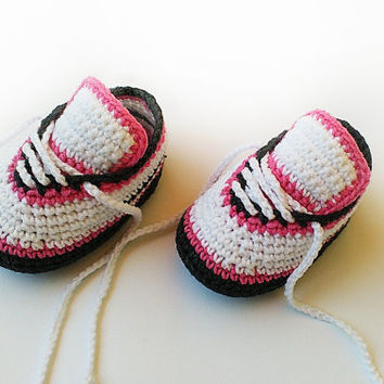 Crochet baby shoes, Crochet baby sneakers, Baby girl crochet sneakers, Newborn converse shoes, Toddler crochet booties, Crochet baby booties