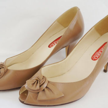 Vintage Bandolino Neutral Heels with Rosettes, Rosette, Heels, Brown, Beige, Taupe, Nude, Tan, Girly, Proper, Leather