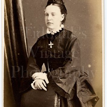 CDV Photo Carte de Visite Victorian Young Pretty Woman, Dark Silk Dress, Cross Pendant Standing Portrait - Antique Photograph