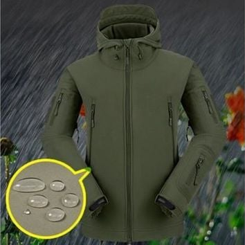 Stylish Men's Winter Outdoor Hunting Camping Waterproof Army Coat Hoodie Jacket Outerwear(3 Colors, US Size S~XL) [8833586508]