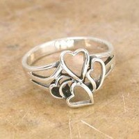 CUTE STERLING SILVER CUT OUT HEARTS RING size 7