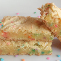 Cake Batter Blondies  Rainbow Sprinkles Yellow by BakeAllTheThings