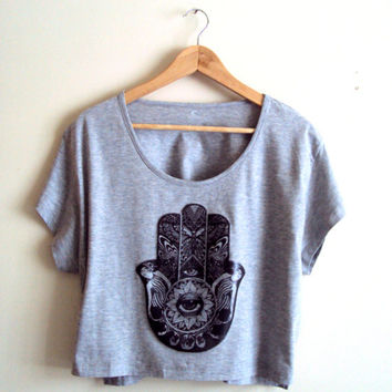 Paisley Hamsa Cropped Top Yoga Top Workout T-Shirt Hand of Fatima Grey Cut Out Graphic Tee Fitness Zen T-Shirts Meditation T-Shirt