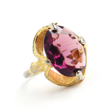 Vintage Purple Glass Stone Ring - Size 8 Adjustable Mid Century Gold Tone Costume Jewelry / Cocktail Statement
