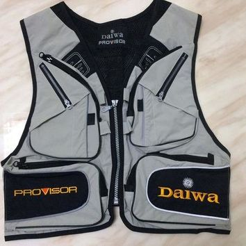 DCCKL72 Free shipping Daiwa fishing vest Mens outdoor Multi-pocket fishing Clothes Male vest Overalls wear Photography Vests