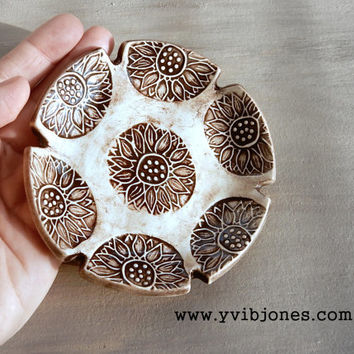 Small Ceramic Sunflower Rustic Wedding Ring Holder Jewelry Dish Pottery Spoon Rest Keepsake Tealight Candle Holder Snack Plate Home Decor