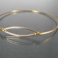 Simple and Chic Gold Bangle Bracelet - Minimalist Jewelry - Gold Bracelet - Stacking Bracelet - Gold Bracelet - Gold Jewelry - Stacking