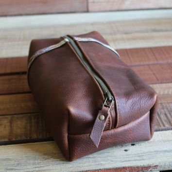 Explorer Leather Dopp Kit