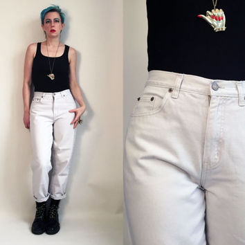 "90s Clothes / 90's Mom Jeans Vintage High Rise Pants Denim Jeans Off White Colored Denim Bill Blass 28"" Waist Women's Size 6"