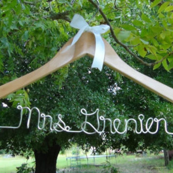 Bride To Be Personalized Hanger, Custom Made Bridal Hangers, Shower Gift idea, Wedding Hangers with Names, Wedding Photo Props