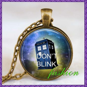 Dont blink Doctor Who quote necklace dont blink doctor who Jewelry Time Machine Police box jewelry handmade jewelry pendants