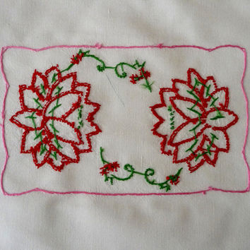 1960 Hand Embroidered Water Lily Table Topper / Dresser Scarf / Floral Table Linen / Handmade V1035