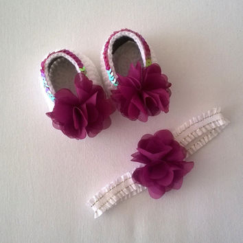 Hand Crochet Chiffon Flowers Payette Baby Shoes and Headband Set / Mary Jane Sandals / Gift for Baby Shower / Baby Girls /