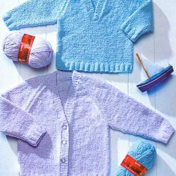 Knitting pattern Peter Pan P971 babies childrens V neck sweater and cardigan