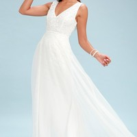 Minnie White Lace Maxi Dress