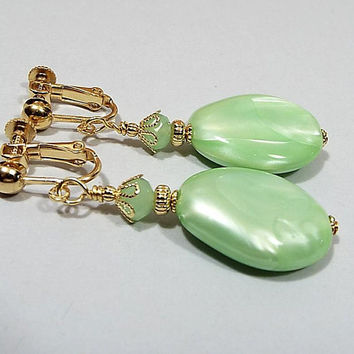 Light Lime Green Drop Earrings, Pearly Shimmery Vintage Lucite Teardrop Beads, Pastel Spring Jewelry, Clip on Earrings Lever Back Hook