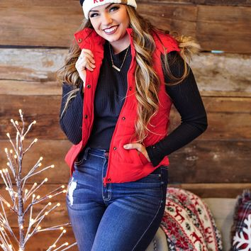 * Monarch Pass Puff Fur Hooded Vest : Red