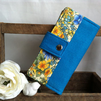 Women's Wool Felt and print handmade womens wallet, bifold wallet, credit card wallet, bill slots,