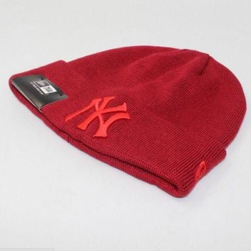 DCCKN6V NewYorkYankees Fashion Winter Purple Color Embroidery Men And Women Couples Knitted Hats Red G