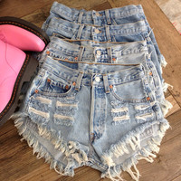 Vintage Classic High Waisted Denim Shorts XS