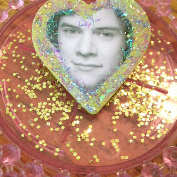 Harry Styles Studmuffin One Direction Glitter Heart Pin