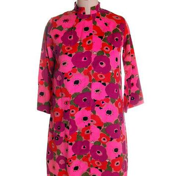 Vintage Dress Bright Pink Mod Print Corduroy Housecoat Robe  1960s S-M