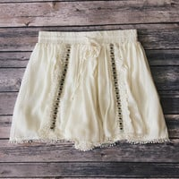 Yuna Cream Beaded Shorts