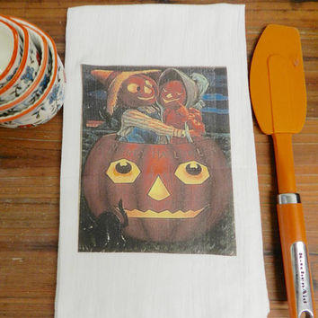 Pumpkin Towel  Halloween Towel Vintage Pumpkins Flour Sack Kitchen  Towel