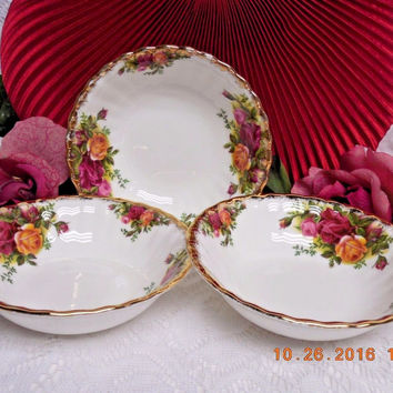 Royal Albert China Dinnerware England Old country roses 3 Fruit bowl