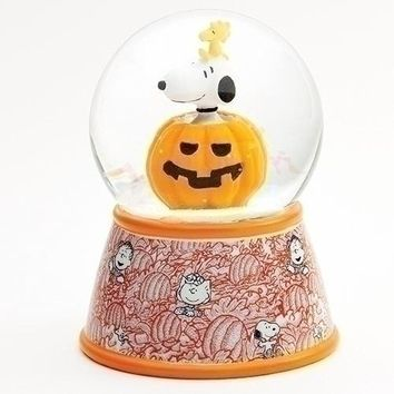 Roman Snoopy In Pumpkin Dome Halloween