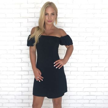 Simple Kind of love Black Dress