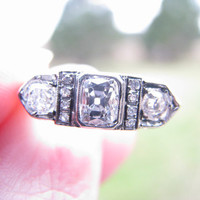 Art Deco Diamond Ring, Old Mine Cut Diamonds, Highly Detailed Platinum Setting with Flower Blossoms, Engraving, Circa 1910's to 1920's