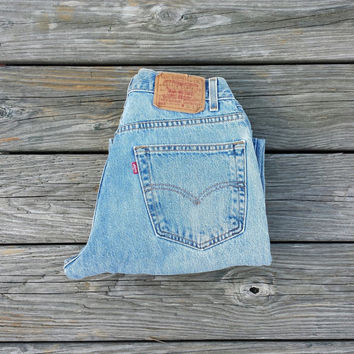 Vintage High Waisted Jeans - Boyfriend Jeans - LEVI 505 Jeans - Size 32 or M