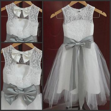 Vintage Long Lace Flower Girl Dresses A Line Tulle Little Girl Formal Wedding Party Gowns Silver Grey Sash and Bow