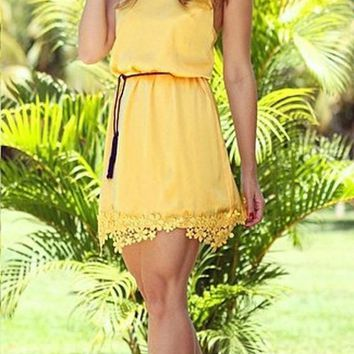 Casual Yellow Patchwork Lace Scoop Neck Sweet Mini Dress