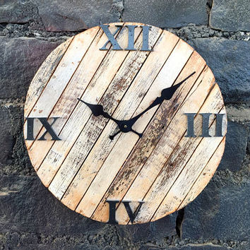 Rustic & Antique Round Wall Clock of Reclaimed Wood - Beach Sand Roman