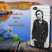 Matt Healy The 1975 Band - Print on hard plastic for iPhone case. Please choose the option.
