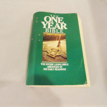 Vintage Book Vintage Bible The One Year Bible The Entire Living Bible Arranged in 365 Daily Readings 80s