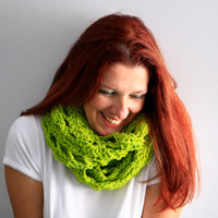 Infinity cowl circle scarf winter fashion, Callisto, in apple green