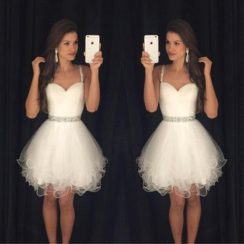 Lovely Sweetheart Pure White Knee Length Cocktail Dress Luxury Rhinestone Prom Gowns Unique Tulle Ruffles Beading Cocktail Dress