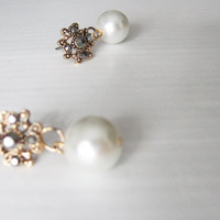 Victorian pearl earrings- Romantic glass pearls earrings- vintage look