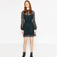 LONG SLEEVED GUIPURE LACE DRESS DETAILS