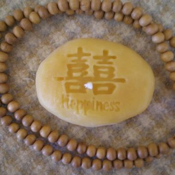 Pure Beeswax Happiness Rock Candle Natural Color