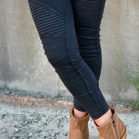 Set Me Free Jeggings - Black