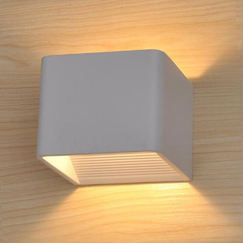 Waterproof Outdoor Wall Lamp 7W Led Source Up Down Lighting Modern Minimalist Indoor Outdoor Engineering Porch Garden Light