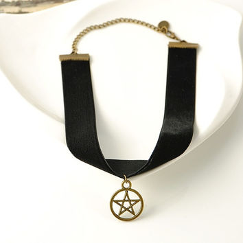 90's Black Velvet Choker Punk Gothic Seal Pentagram Pendant Vintage Collar Necklace (Size: 28 cm, Color: Black) = 1946616964
