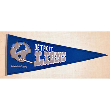 Detroit Lions NFL Throwback Pennant (13x32)
