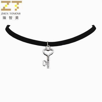2018 New Arrivals Fashion Jewelry Collares Collier Love Key Crystal Pendants Black Velvet Leather Chokers Necklaces For Women